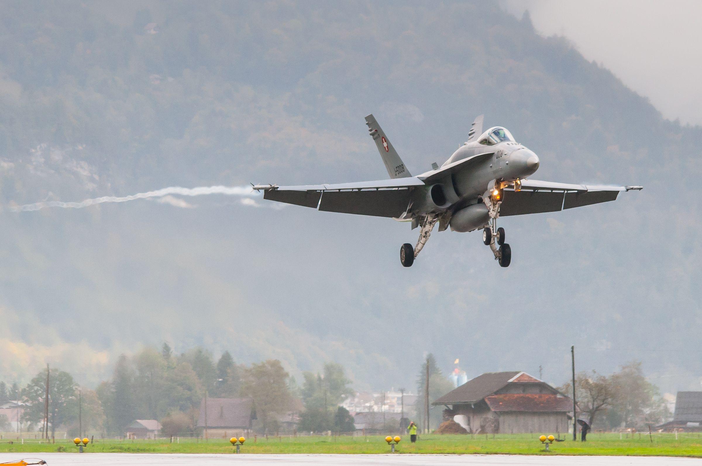Air force live fire event Axalp 2012 - 10-11 Oct 2012 - Pagina 2 000143m