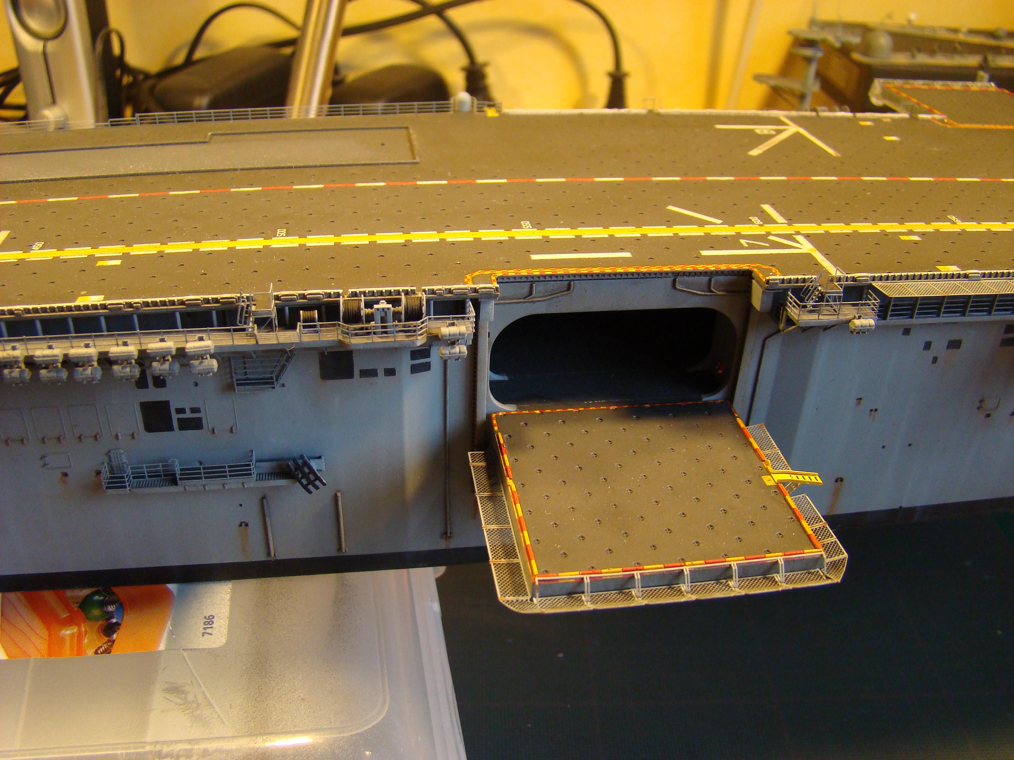USS WASP LHD-1 au 1/350ème - Page 3 Dsc09104e