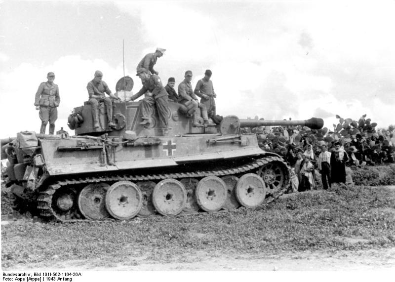 Tiger I du sPzAbt. 501 en Tunisie 1943 Tigerinr732ex132spzabt5