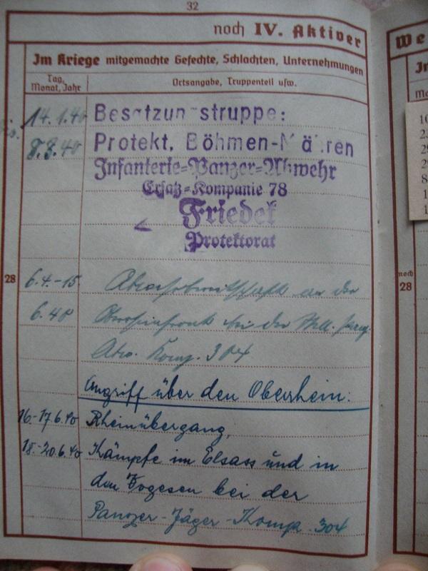 Traduction et identification d 'un Wehrpass et ses papiers 9uqa