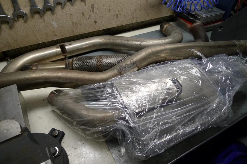 Reconversion de mon Escort MK3 Ghia en Escort RS 1600i - Page 11 P1040185y