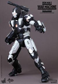 Iron Man 2: 1/6th scale War Machine Limited Edition (Special Version) Hottoysim2warmachinespe.th