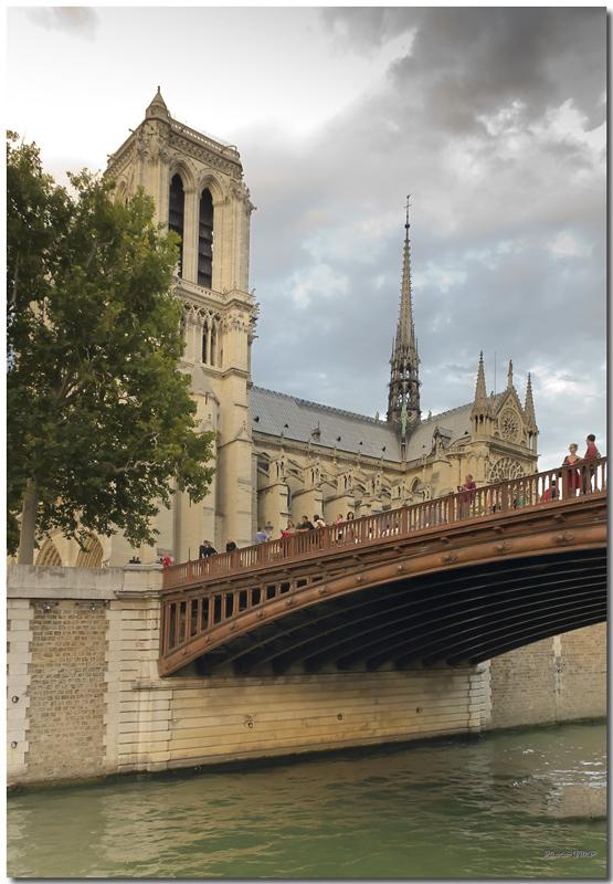 A Paris au mois d'août.  - Page 12 Jp116211024