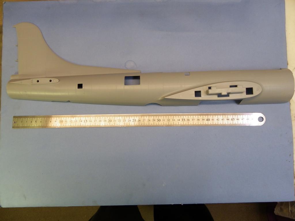 [Revue de Kit] BOEING B-17G - Hong Kong Models - 1/32 Lsnv
