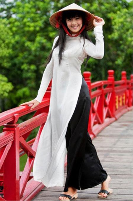 Áo dài trắng nữ sinh Han7