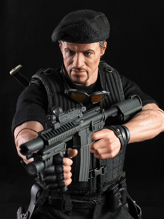 "HOTTOYS (figurine 12"" THE EXPENDABLES) - Page 5 Ross029"