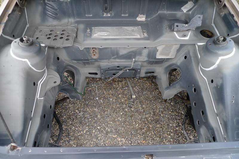 Reconversion de mon Escort MK3 Ghia en Escort RS 1600i - Page 6 P1050041j