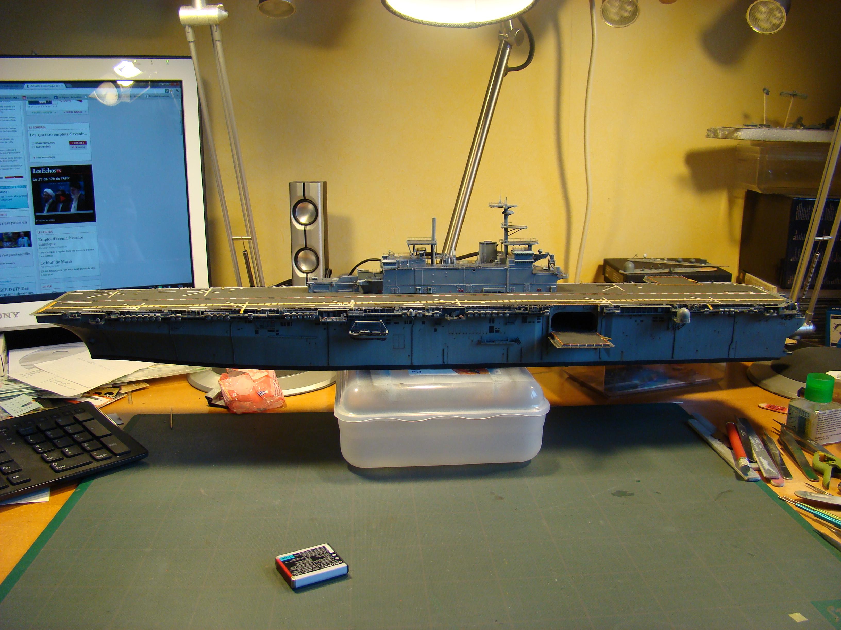 USS WASP LHD-1 au 1/350ème - Page 3 Dsc09108h