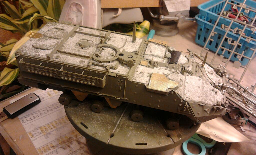 M1130 Stryker Commander's Vehicle, le Stryker de Tuche.....montage terminé.. - Page 2 201201042130101