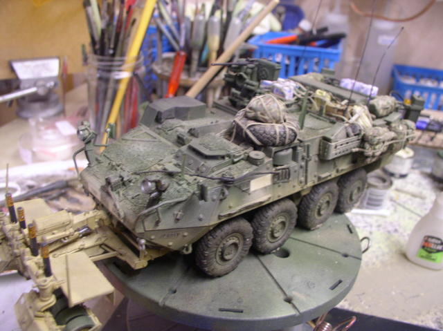 Stryker 1132 mine roller 1/35 Trumpeter Dio terminé - Page 4 113k