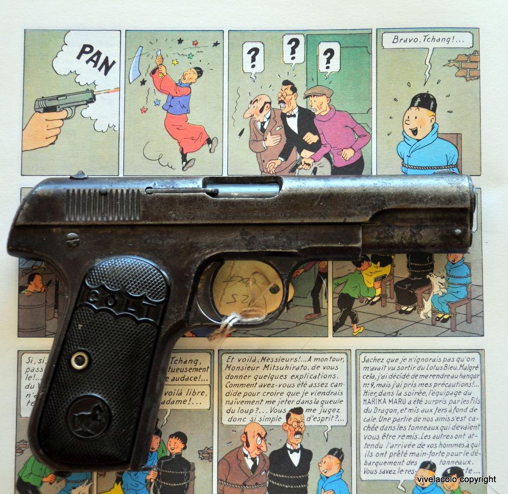 les armes à feu célèbre dans la bande dessinée Dsc0558f