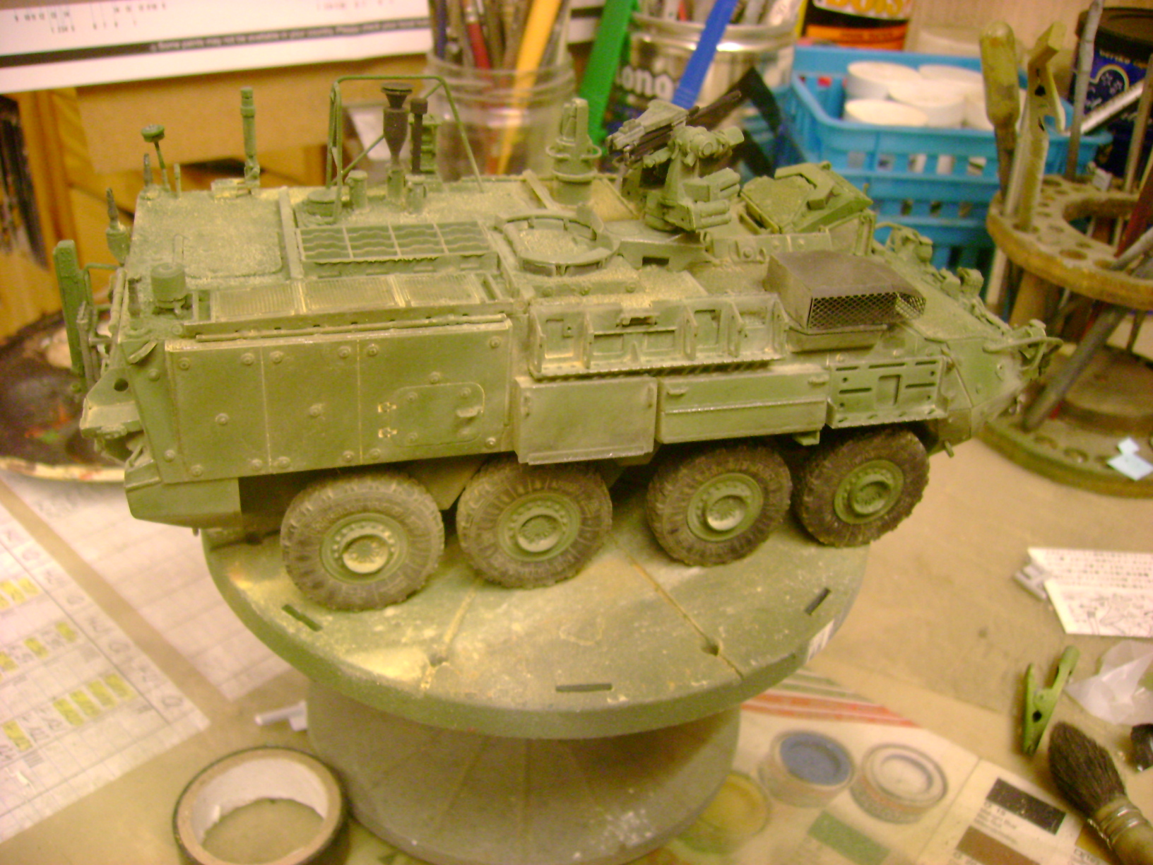 M1135 Stryker NBC RV 1/35 Trumpeter....Terminer Up du 29/10... - Page 3 92071374