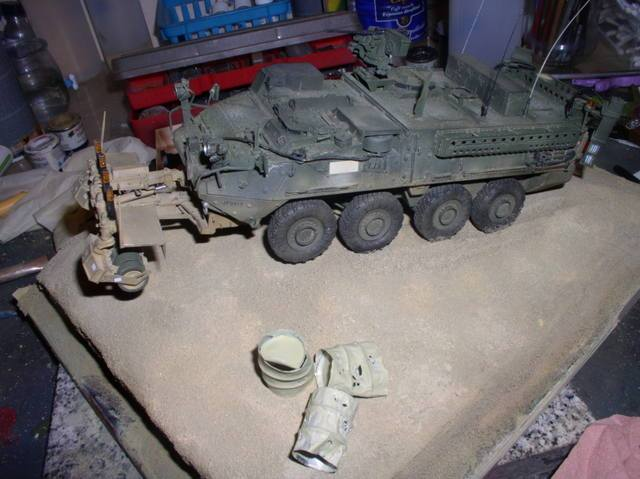Stryker 1132 mine roller 1/35 Trumpeter Dio terminé - Page 3 106ow