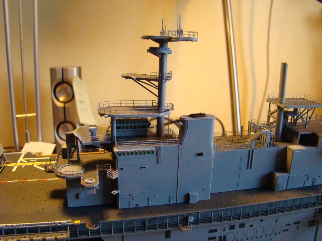 USS WASP LHD-1 au 1/350ème par nova73 - Page 7 Dsc09061l