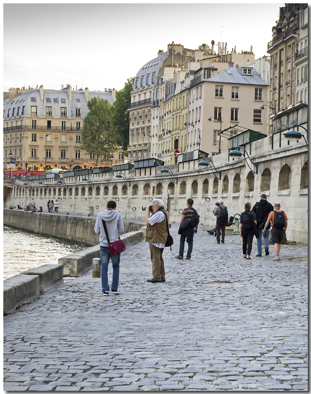 A Paris au mois d'août.  - Page 11 Jp116021024