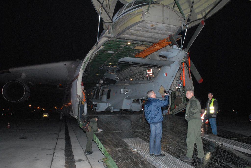 Photos Perso Antonov 225 chargement EC725 Caracal Kvat