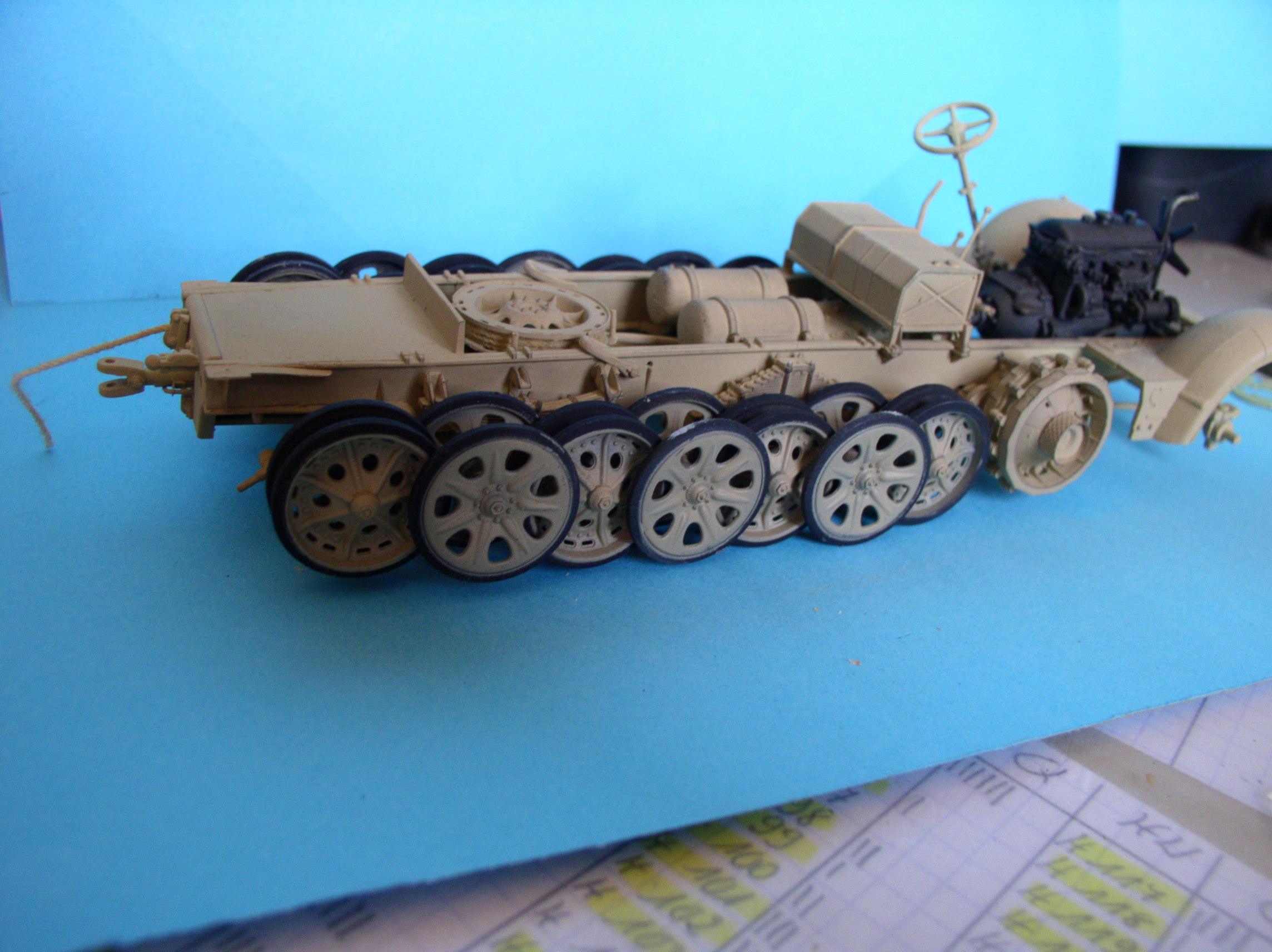 Sd.Kfz.7/1 late version whit Sd.Anhager 52 Trumpeter 1/35( Montage en cours) UP 25/05 - Page 3 31745001