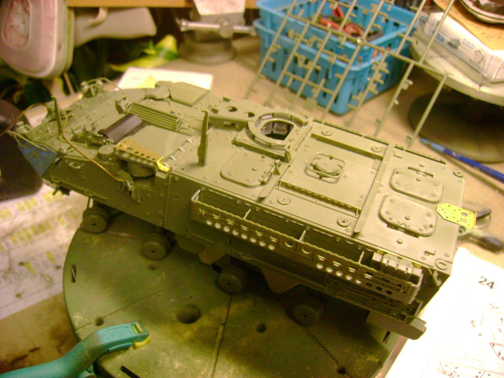 M1130 Stryker Commander's Vehicle, le Stryker de Tuche.....montage terminé.. - Page 2 Dsc01803bw