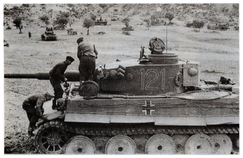 Tiger I du sPzAbt. 501 en Tunisie 1943 Tigerinr121spzabt501ent