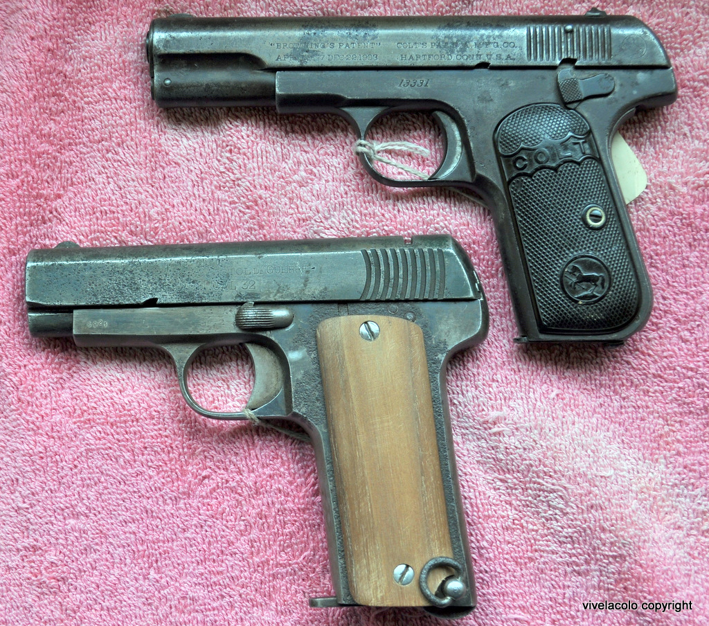 les armes à feu célèbre dans la bande dessinée Dsc0844q