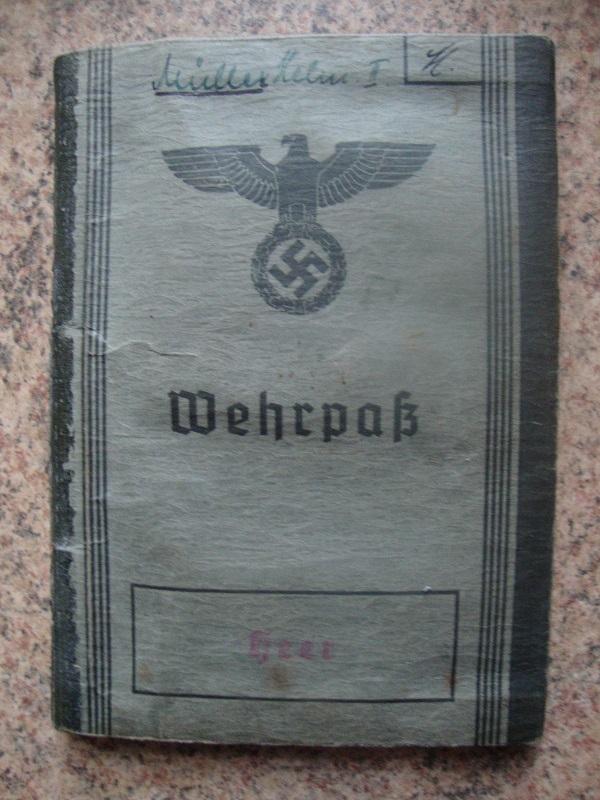Traduction et identification d 'un Wehrpass et ses papiers 9rzl