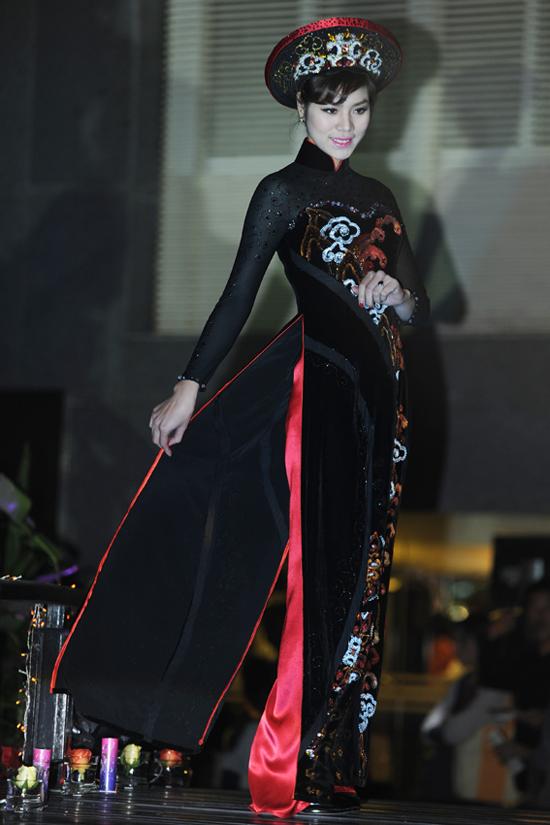 2 bộ sưu tập áo dài Aodai5m