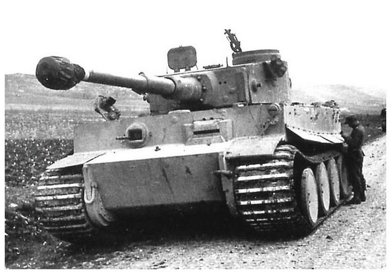 Tiger I du sPzAbt. 501 en Tunisie 1943 Tigerinr111spzabt501entlh
