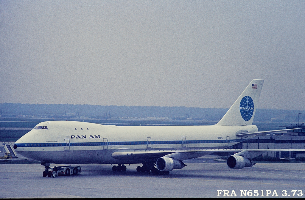 747 in FRA - Page 5 3fran651pa