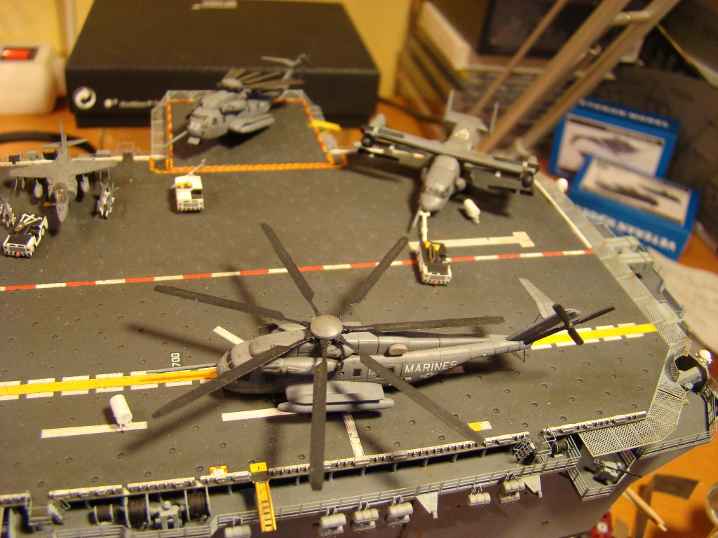USS WASP LHD-1 au 1/350ème par nova73 - Page 8 Dsc09122b