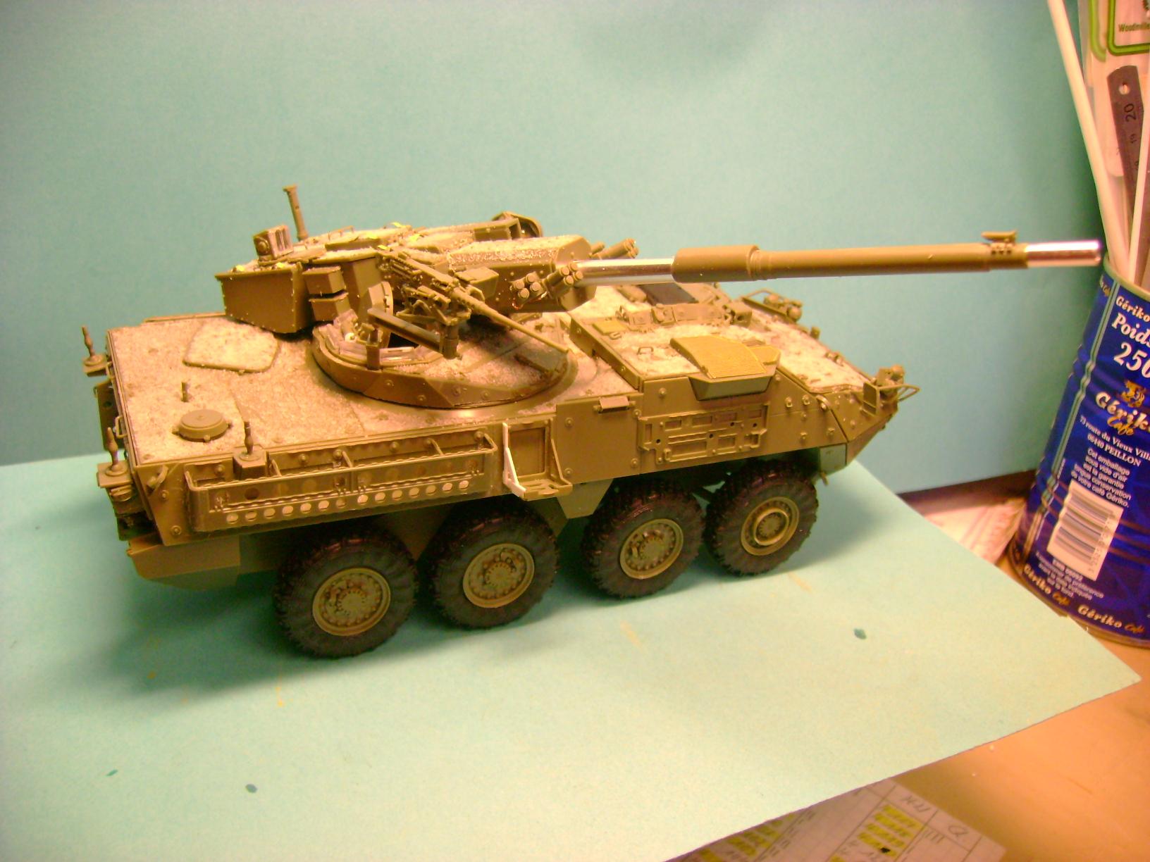 Stryker M1128 MGS Terminé.... - Page 2 Dsc00577td