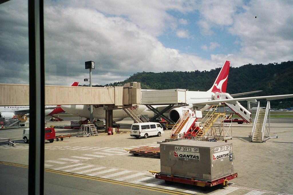 Cianrs-Sydney en 737-800 de la Virgin Blue A330300qantasiy5