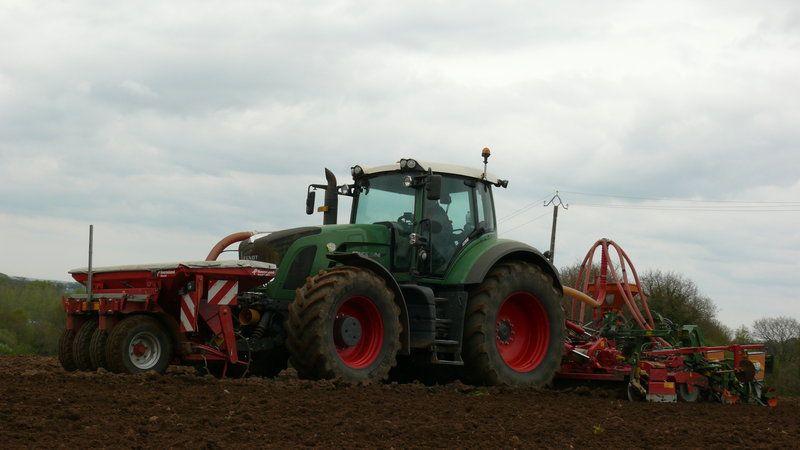 Semis de maïs 2010 P1060303