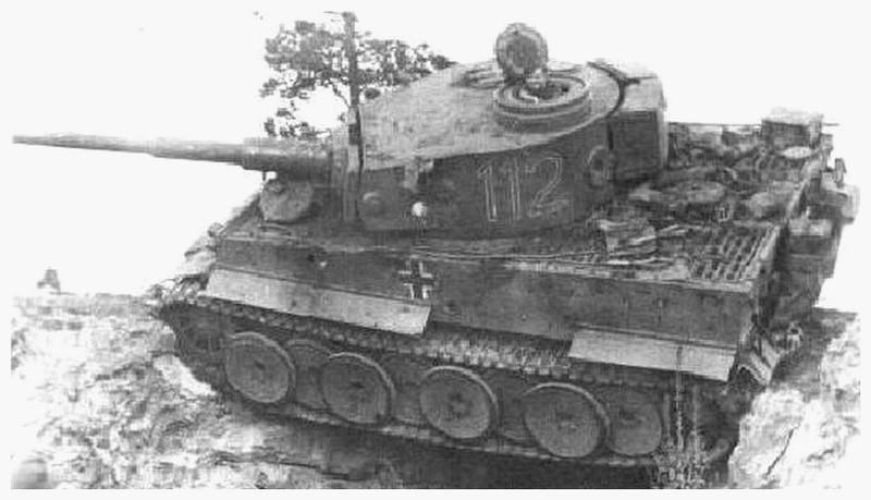 Tiger I du sPzAbt. 501 en Tunisie 1943 Tigerinr112spzabt501ent