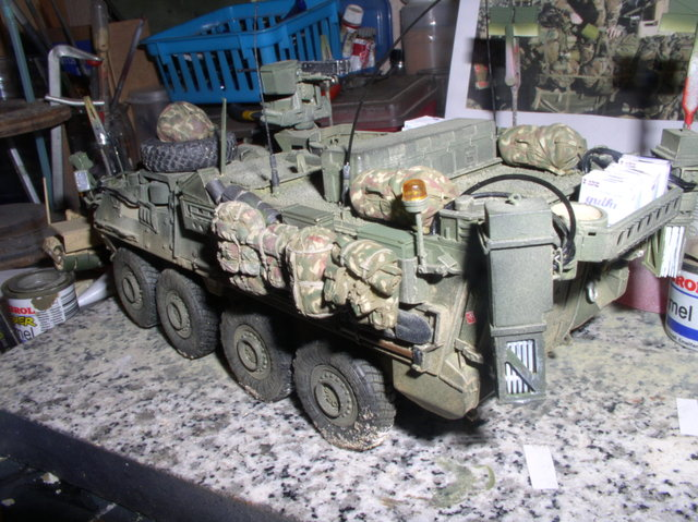 Stryker 1132 mine roller 1/35 Trumpeter Dio terminé - Page 4 108gb