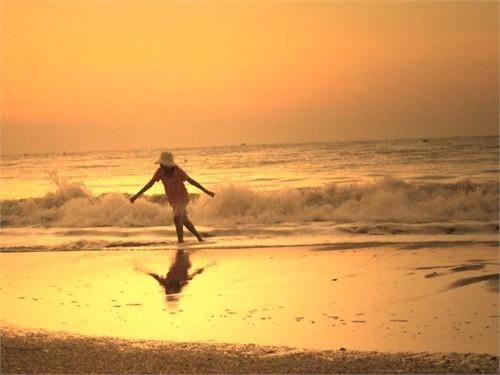 Rạng rỡ bình minh trên biển Phan Thiết 1324691406hoanghontrend
