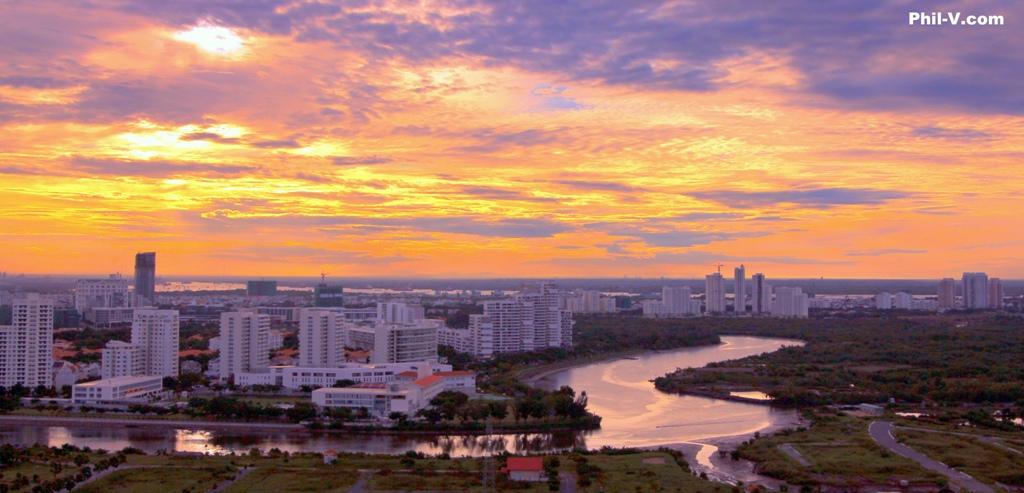 Việt Nam tuyệt đẹp qua ống kính một người Mỹ Sunriseoverphumyhung01