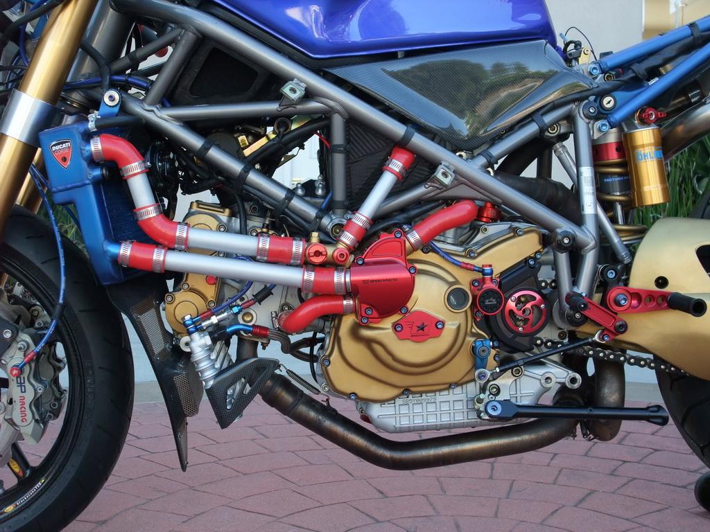 Superbike Ducati 916, 996, 998 et 748 - Page 2 Stockmod