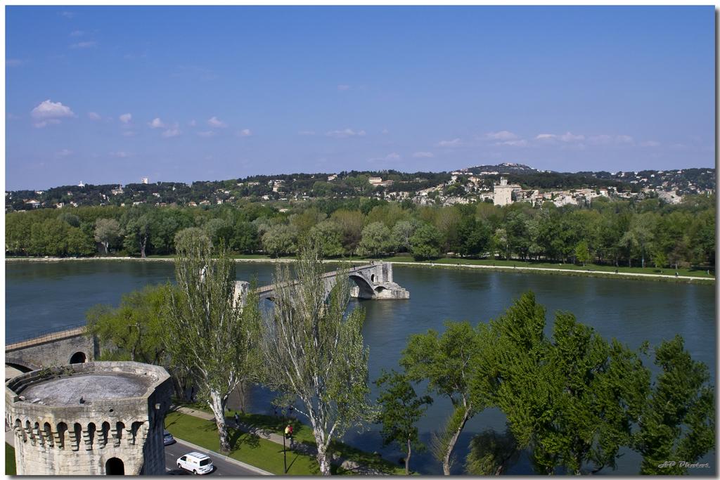 Photos de la rencontre Avignon du 14 Avril 2012 - Page 3 N11avignonpont03ap11033