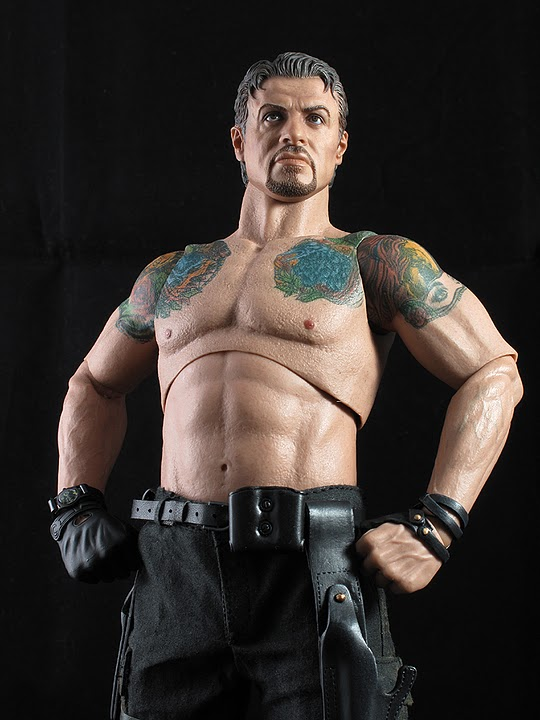 "HOTTOYS (figurine 12"" THE EXPENDABLES) - Page 5 Ross014"