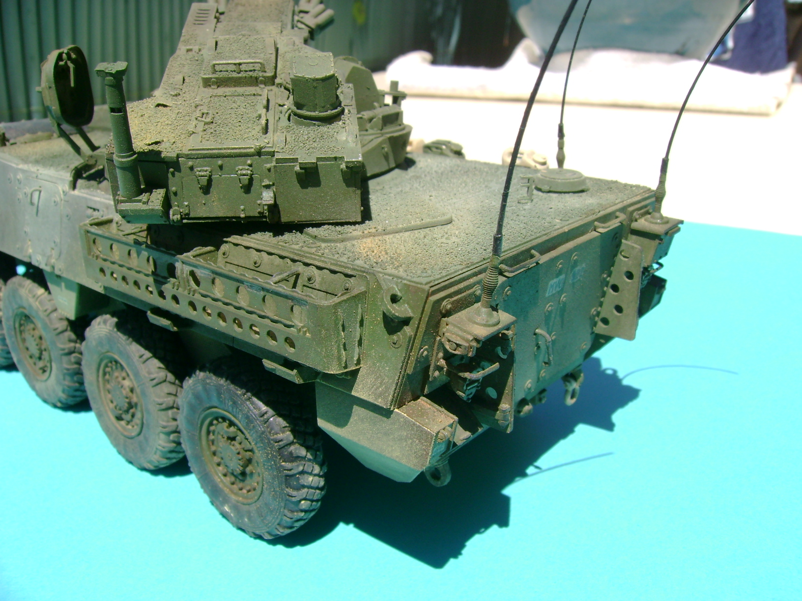 Stryker M1128 MGS ( Montage en cours ) Thunderbird - Page 2 94080856