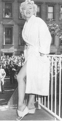 Marilyn Monroe Mmosenb185og0.th