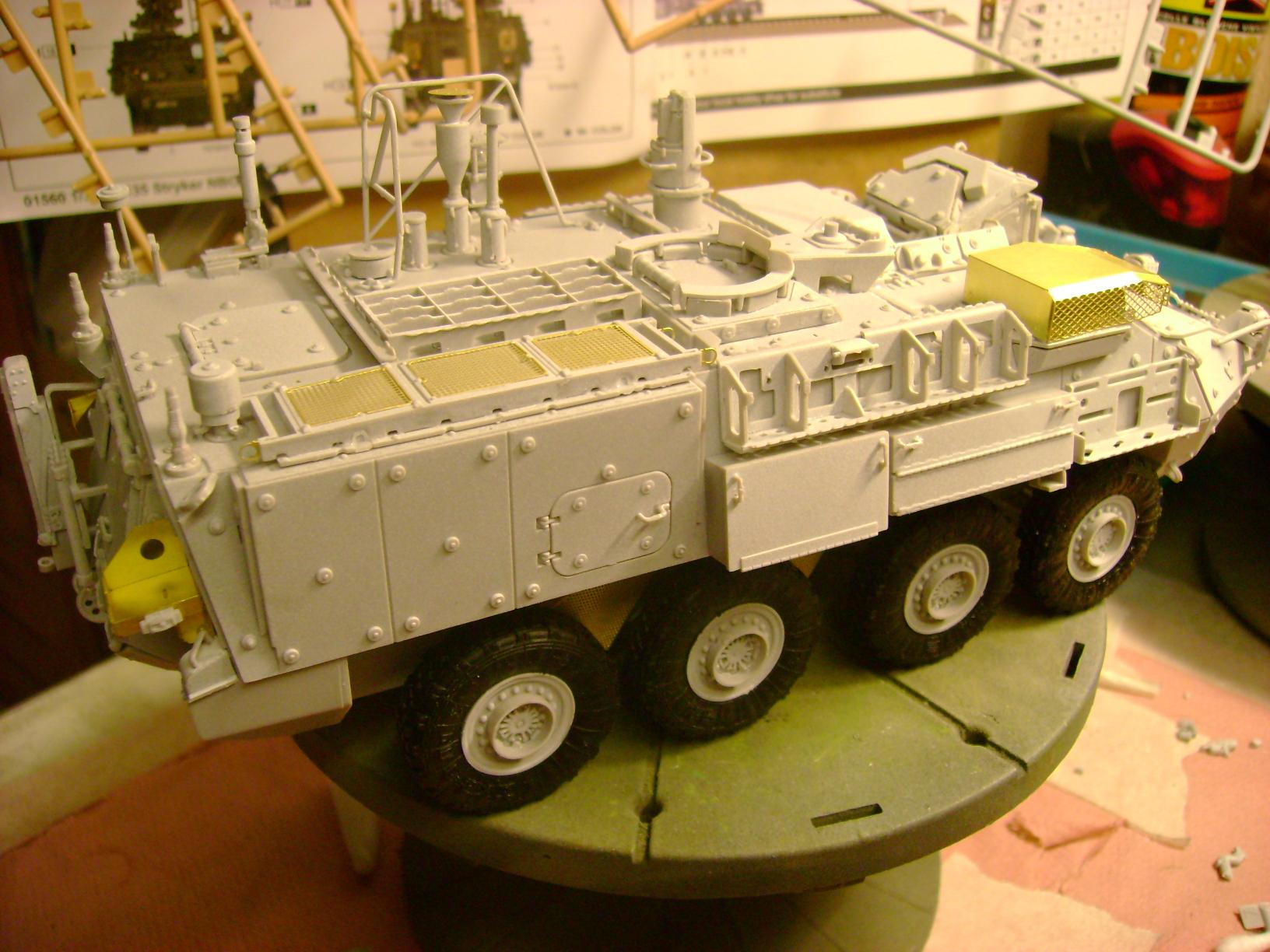 M1135 Stryker NBC RV 1/35 Trumpeter.... Terminé.... 80023616