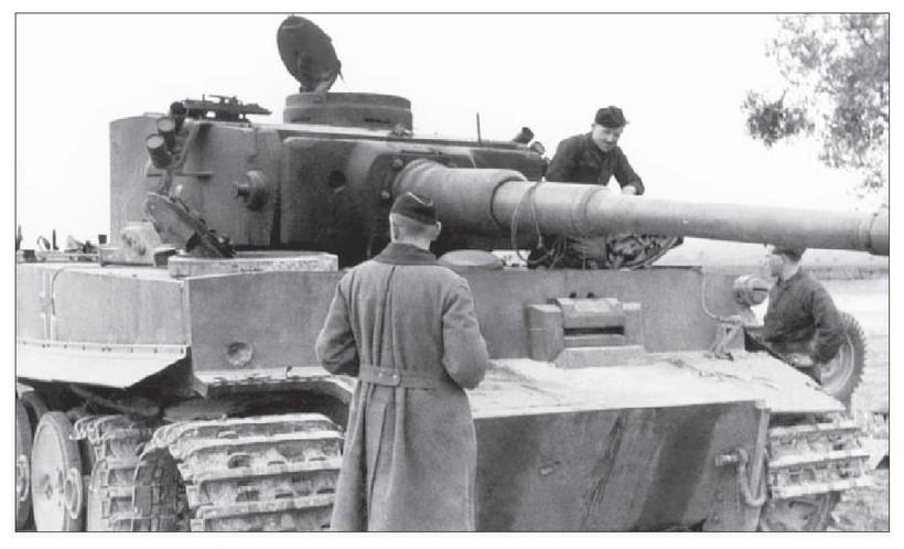 Tiger I du sPzAbt. 501 en Tunisie 1943 Tigerinr142spzabt501dch