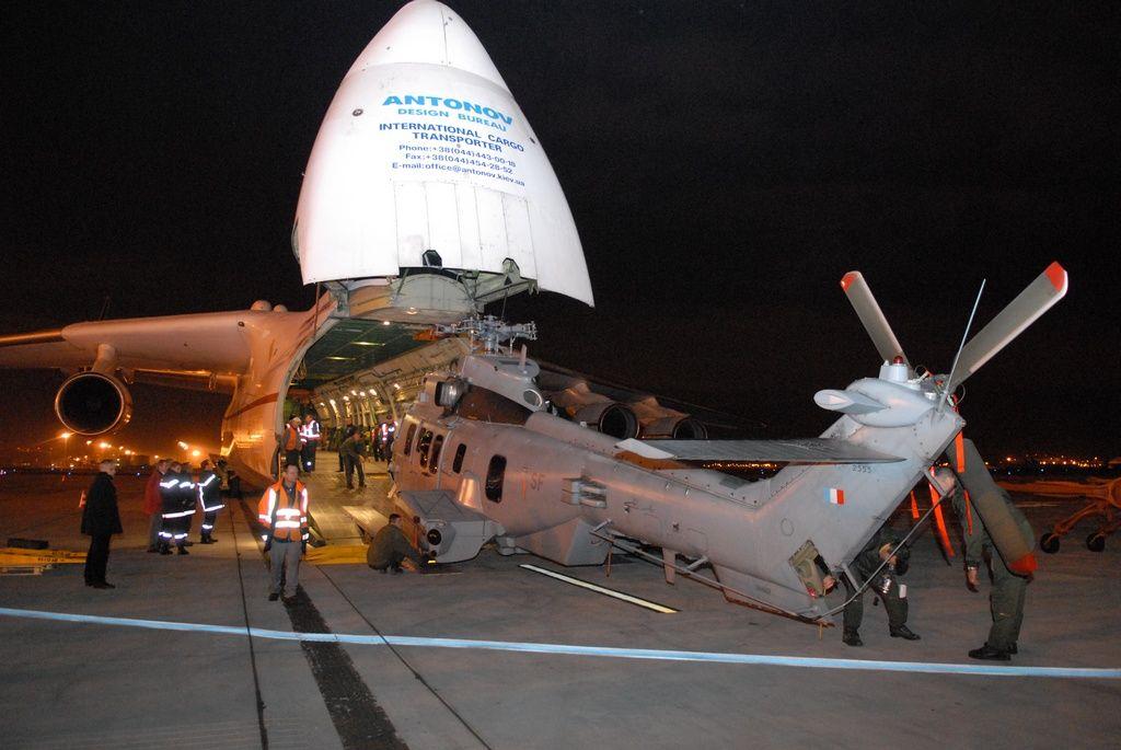 Photos Perso Antonov 225 chargement EC725 Caracal 67ts