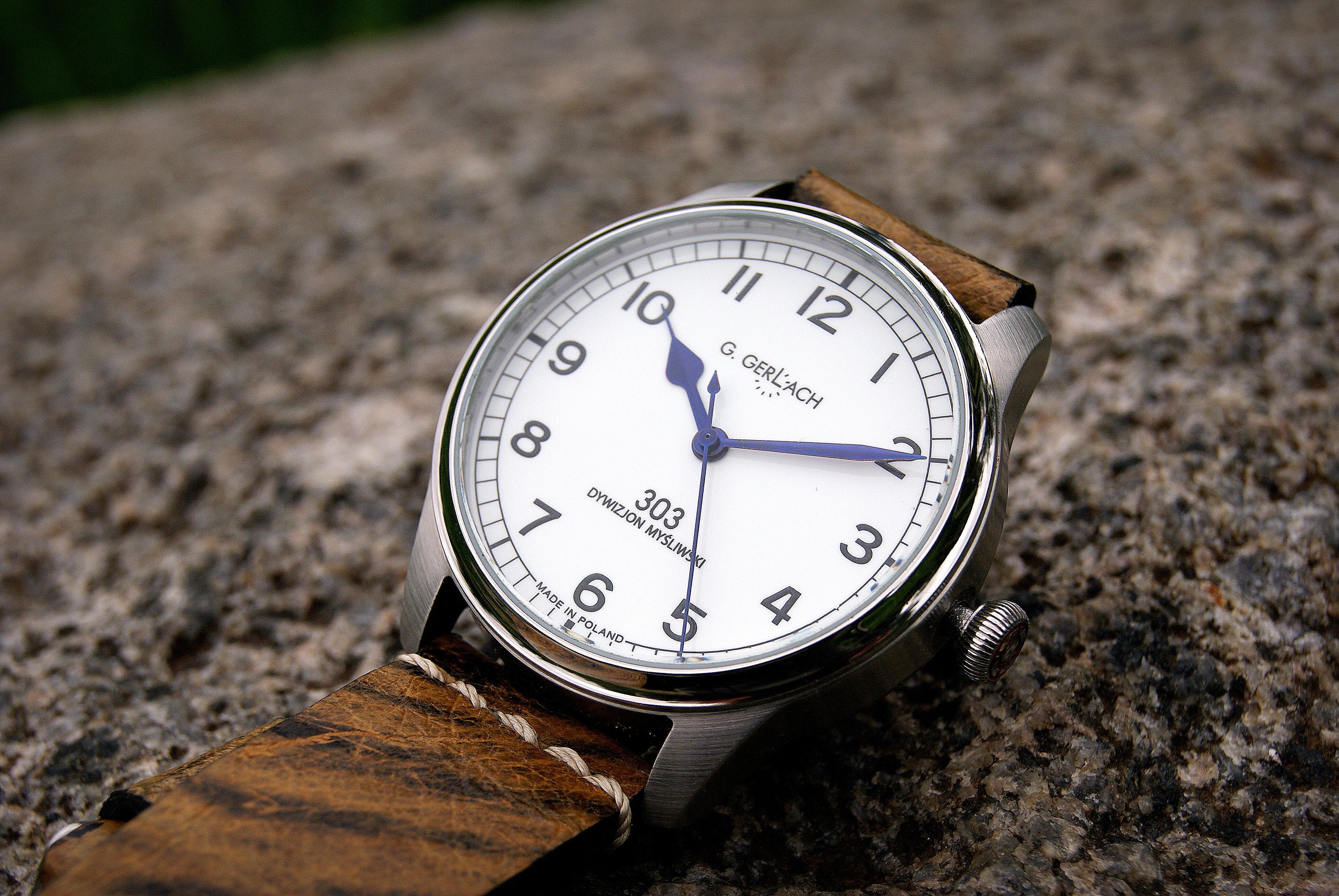 G. Gerlach: la montre polonaise! - Page 2 Dsc06508001