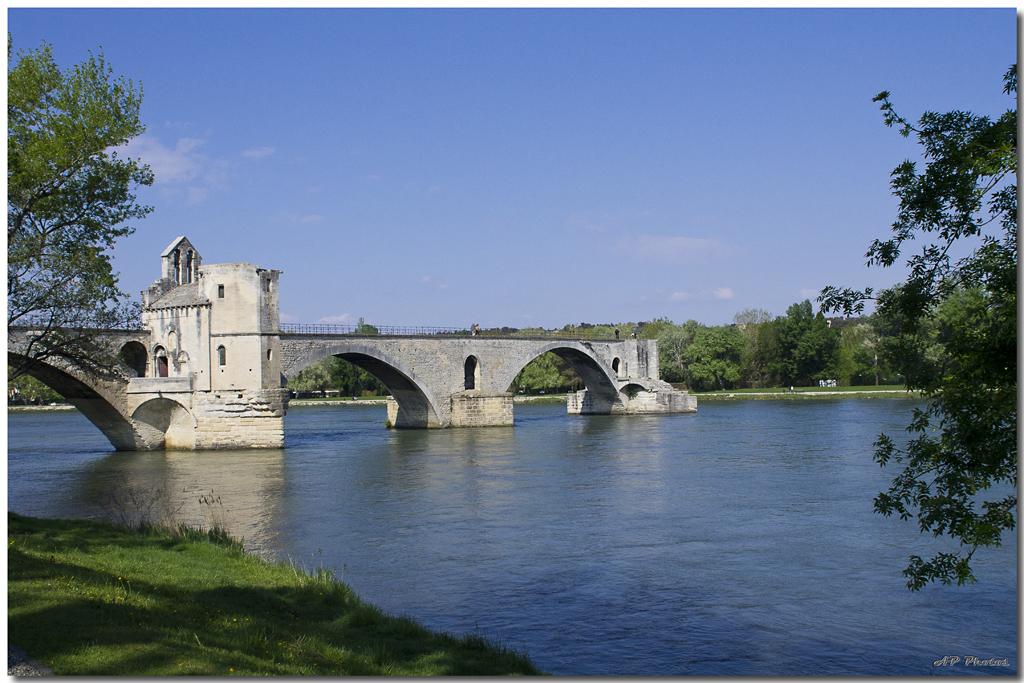 Photos de la rencontre Avignon du 14 Avril 2012 - Page 3 N09avignonpont03ap11026