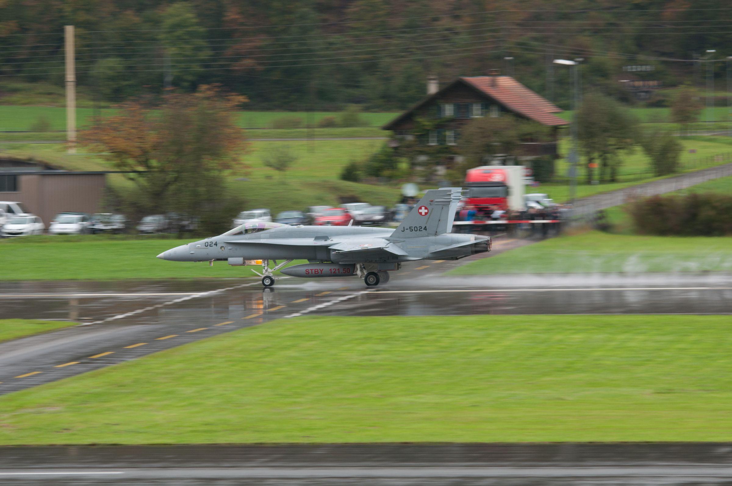 Air force live fire event Axalp 2012 - 10-11 Oct 2012 - Pagina 2 Dsc0081zh