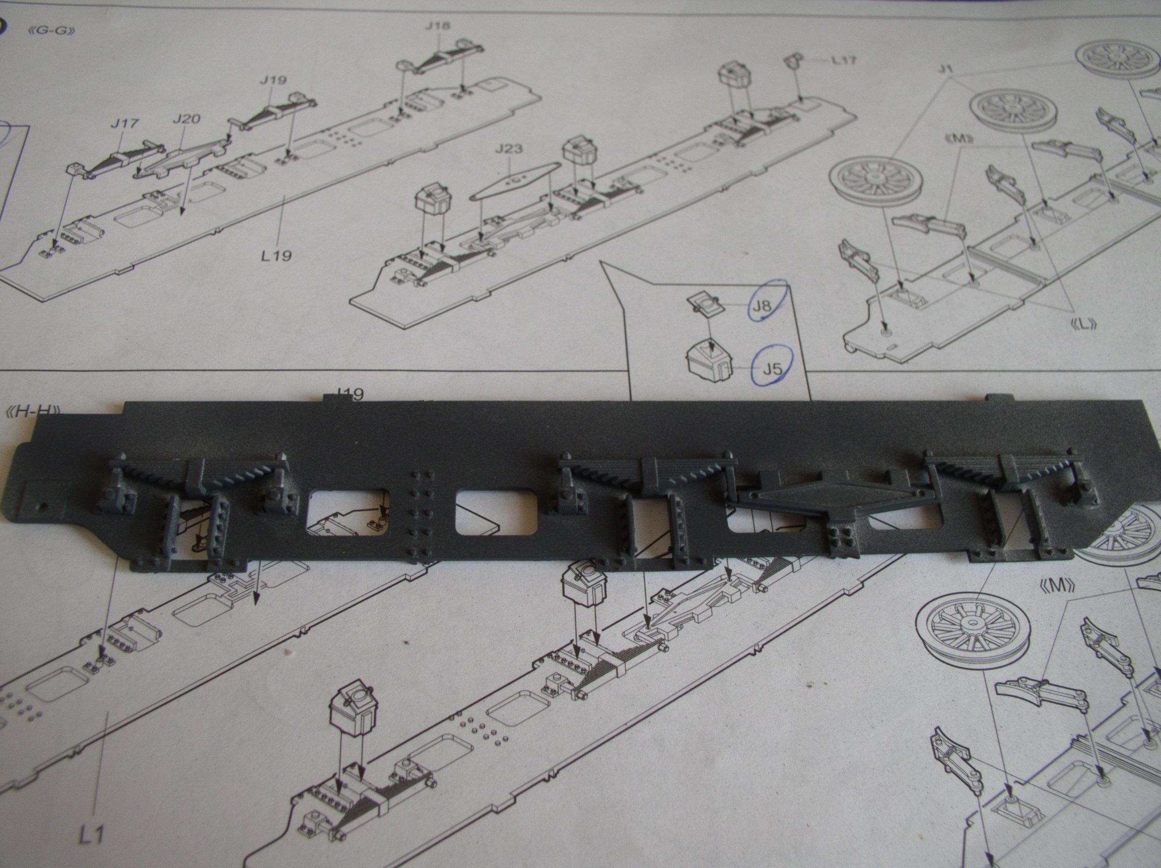 peinture - (Thunderbird) BR 57 Baureihe Panzerlok (Peinture en cours)  - Page 2 74402343