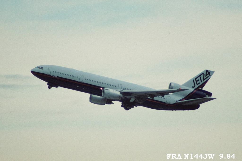 DC-10 in FRA Fran144jw