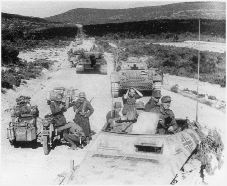 Tiger I du sPzAbt. 501 en Tunisie 1943 Tigerinr131spzabt501ave